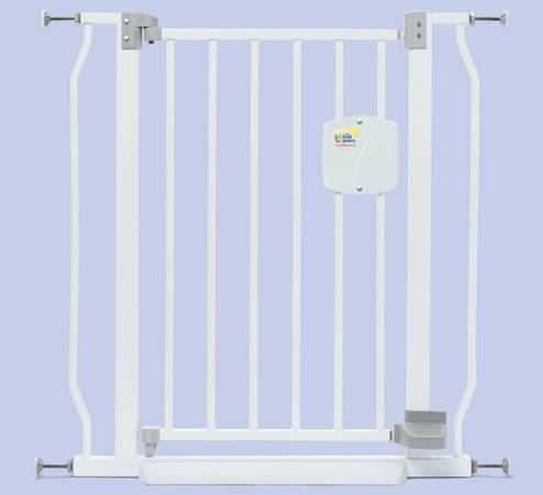 The First Years Hands Free Gate with 2 free extension kits - $45 (Irvine, CA)
