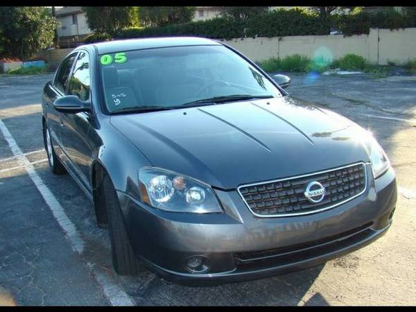 The improved interior proved to be popular among 2005 Altima buyers a - $7998