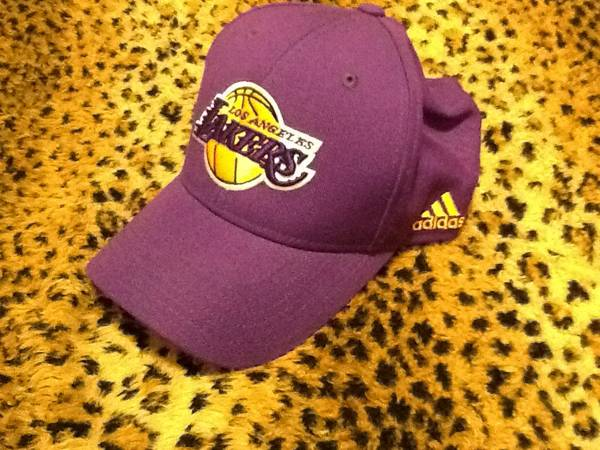 Delicately used lakers Adidas nba hat and grey electric snap-back $10 - $10 (HUNTINGTON beach WARNER and BOLSA CHICA)