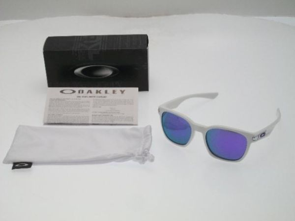 Oakley Garage Rock whiteviolet sun glasses - $70 (lake forest)