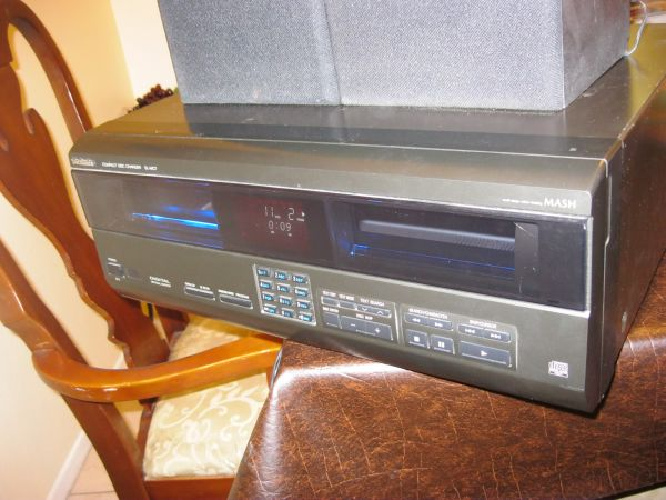 110 Disc ChangerCd ChangerCd player The Technics SL-MC7 Tested works (garden grove)