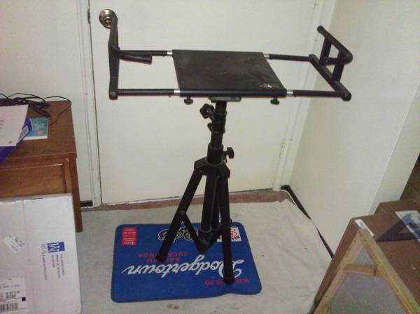 Portable Adjustable TVLaptopDJKaraoke Stand - $60 (Garden Grove)
