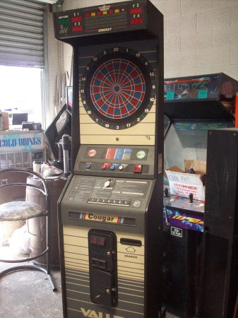 DART BOARD BY VALLEY HB 3 BUTTON - $799 (LA MIRADA)