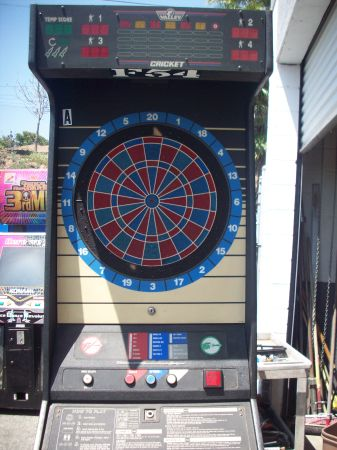 Valley Cougar HB 3 Button Model Electronic Coin Operated Dart Board - $649 (LA MIRADA)