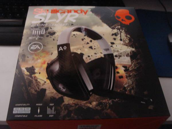 SkullCandy SLYR Gaming Headset Hesh LAKERS Kobe 24 - $10 (Orange County)