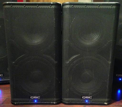 QSC HPR122i Powered Speakers Monitors - $500 (huntington beach, orange county)