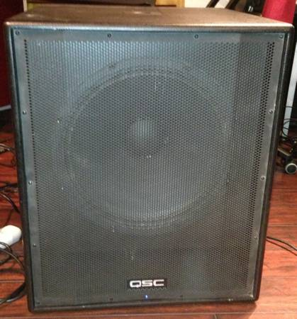 QSC HPR181i Powered Sub woofer - $750 (huntington beach, orange county)