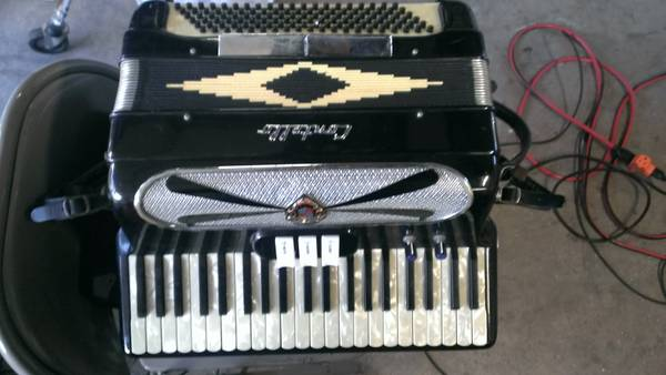 Contello Accordion - $300 (WhittierAnaheimIrvine, CA)