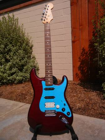 Fender Stratocaster Fat Strat MIM Like New one of a kind - $320 (Long Beach)