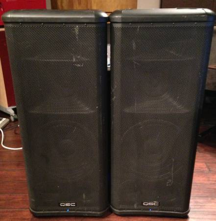 QSC HPR153i Powered PA 3-way Speakers x 2 - $600 (huntington beach, orange county)