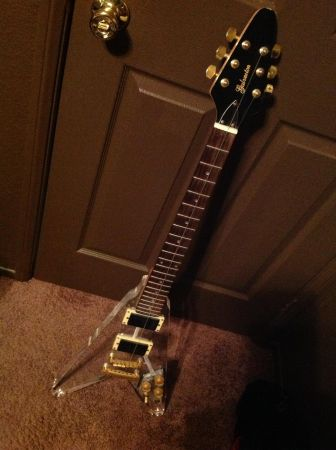 V-Guitar super clean acrylic see through must see $100firm - $100 (Riverside)