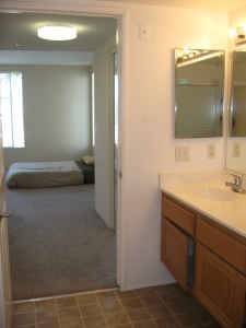 $345 __91179117LARGE FULLY FURNISHED91179117ROOM IN SPACIOUS HOUSE9117 (Palm Springs, CA)