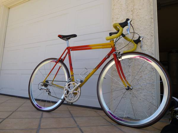 CLASSIC MEDICI 1984 ROAD BIKE - $750 (RANCHO MIRAGE)