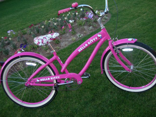 VALENTINES DAY NIRVE PINK LADIES CRUISER - $249 (Palm Desert)