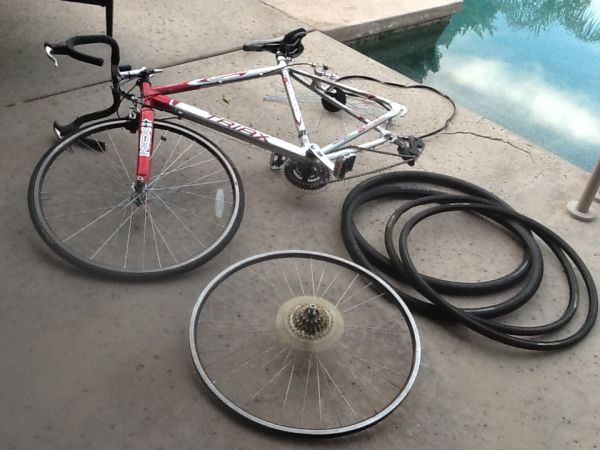 Crimson Triax Road Bike 21 Speed $75 OBO - $75 (Palm Desert, CA)