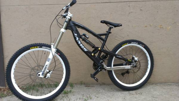 jamis downhill bike partoutcomplete - $1 (palm desert)