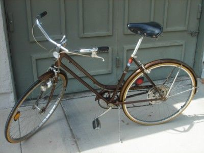 MOVING SALE-VINTAGE SCHWINN BICYCLE SAT JAN 5TH 9A-2P (INDIO-TERRA LAGO)