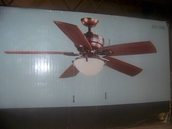 HAMPTON BAY FOUR WINDS INDOOROUTDOOR 54 INCH CEILING FAN LIGHT - $115 (PALM DESERT)