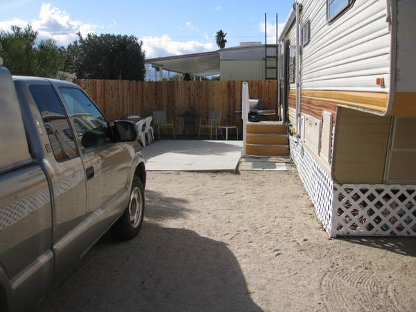 Alpha Gold 5th wheel 36.5 ft. - $2000 (Desert Oasis RV park)