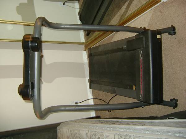 Treadmill-Weslo-lightweight - $85 (palm springs south)