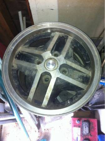 4 lug Aluminum rims - $160 (Coachella Valley)