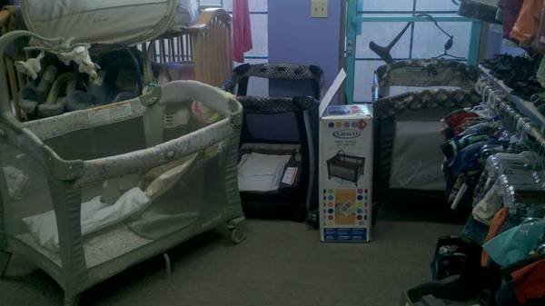 3 Deluxe Pack and Plays (playpen) with changing tableinfant nursery - $50 (Silver Spoon Consignment)
