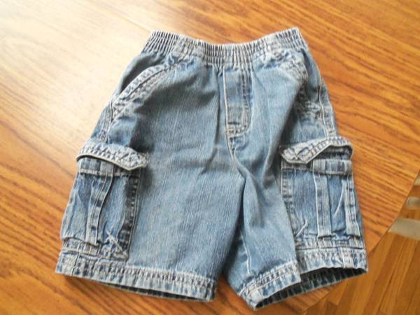 Boys Shorts (faded Glory) Size 3T - $1 (Morongo Valley)