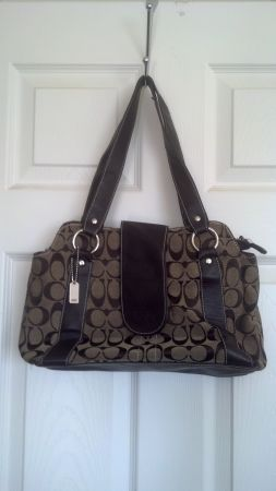 5 brand name purses - $25 (Joshua Tree)