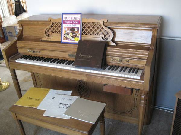 Schafer and Sons Piano and Bench - $750 (Banning)
