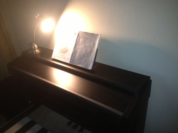 ROLAND MP-70 PROFESSIONAL ELECTRIC KEYBOARD $1700 NEW - $650 (Palm Desert)