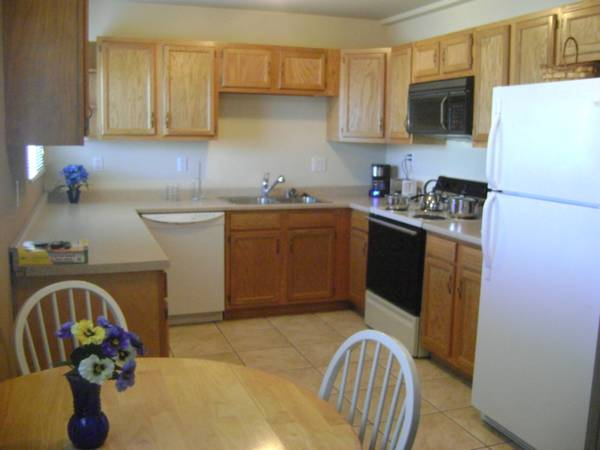 1br - Weekly monthly bestdeal 1bdrm condo centrally located (16 st Bethany H (Hurry Call today )