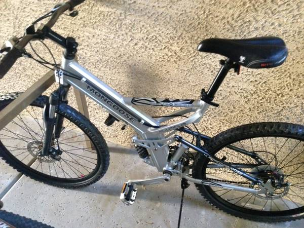 Mongoose Blackcomb Dual-Suspension Mountain Bike - $150 (7th Street Camelback)