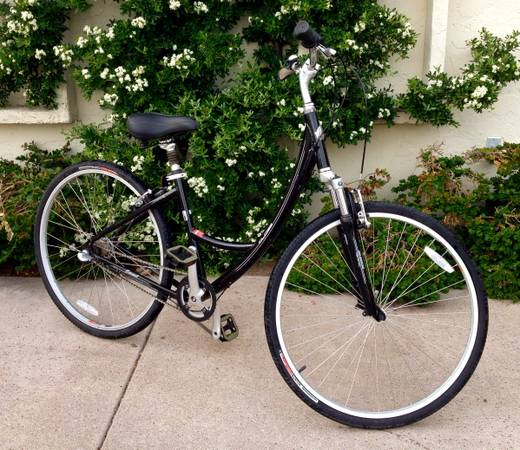 Specialized Globe Carmel 2 Low Entry - $250 (12th and Camelback)