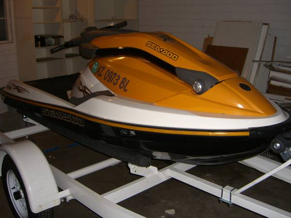 SeaDoo 3D Jet Ski -- Stand Up Sit Down Like New, low hours - $2899 (Thunderbird 32nd St.)