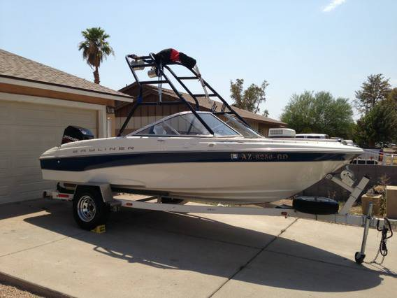 2001 Bayliner Capri 180 With wakeboard tower - $6900 (West Phoenix)