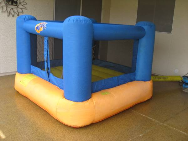 inflatable heavy duty childrens bounce house - $225 (chandler)