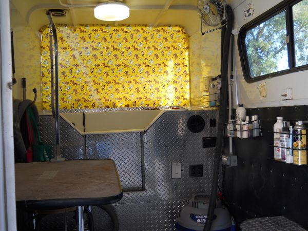 2004 Mobile Grooming Trailer - $7500 (East Valley)