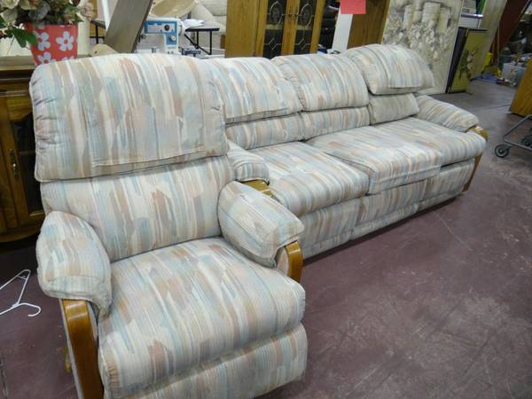 Lazy Boy Double Recliner Sofa w Matching Recliner Chair - $200 (Peoria W of 19th Ave)