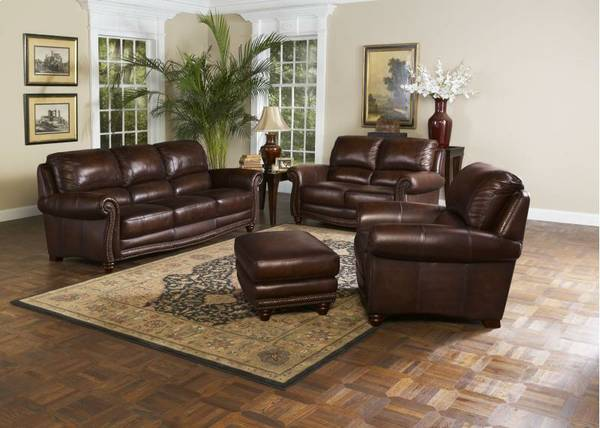 Brand New Leather Italia Couch Edwards Collection - $999 (Mesa)