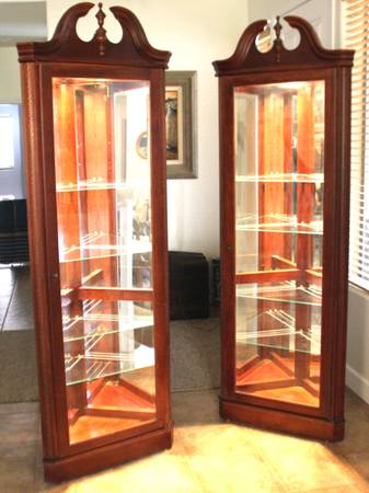 Lighted Corner Cabinets - $125 (Mesa)