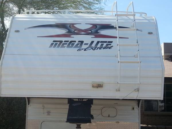 2008 extreme mega lite toy hauler - $16290 (35th Avenue and union hills)