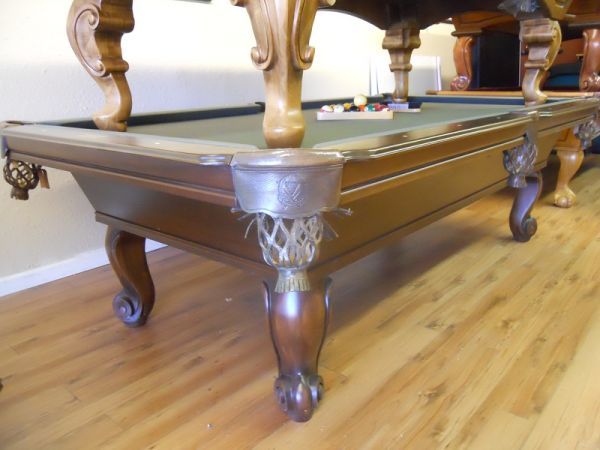 8 Connelly Catalina - $1799 (Becks Billiards)