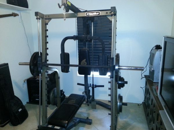 Nautilus weight set - $400 (71ave and glendale)
