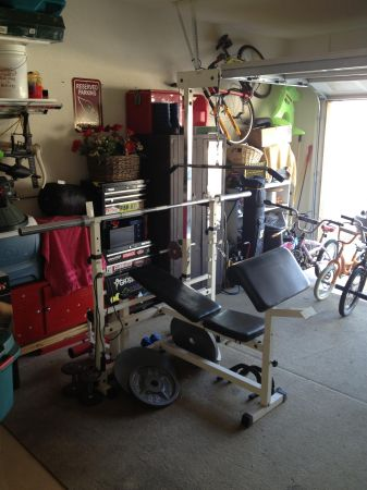 Weight Bench with Olympic weights - $300 (Glendale, AZ)