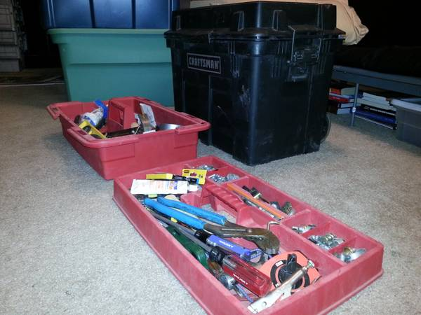 Craftsman Giant Rolling toolbox w tools package - $1 (52nd St and van buren Phx )