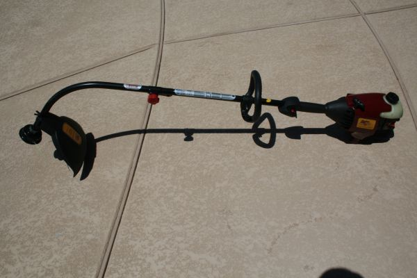 Poulan Pro Link 31cc 17 Inch Gas Powered Weed Wacker Runs Great - $90 (Queen CreekSan Tan Valley)