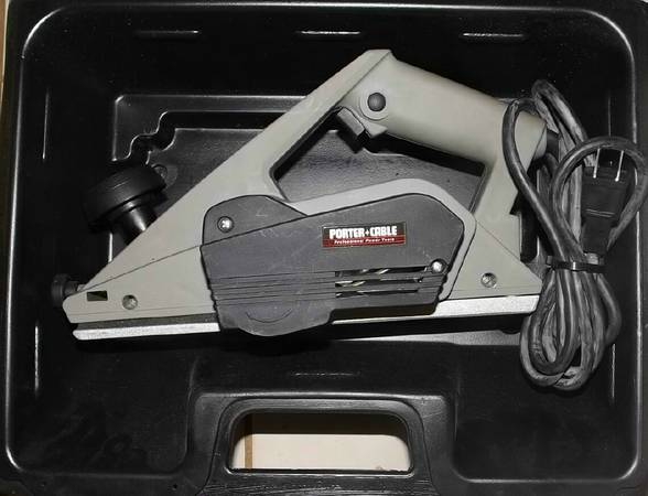 LIGHTLY USED PORTER CABLE HAND HELD DOOR PLANER IN CASE WMANUAL - $115 (128th AV W BELL RD)