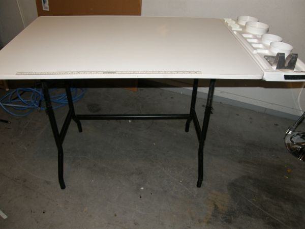 Craft Table - $100 (Mesa)