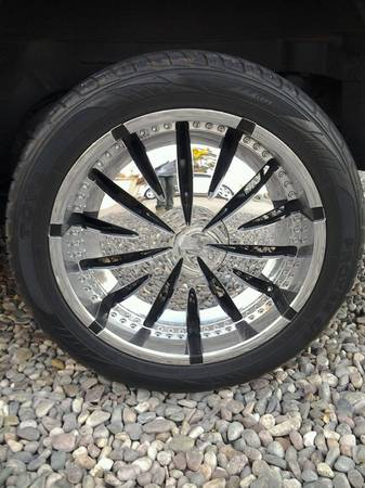 6 lug 22 inch Chrome and black rimswheels - $800 (Indian School and 91st Ave)