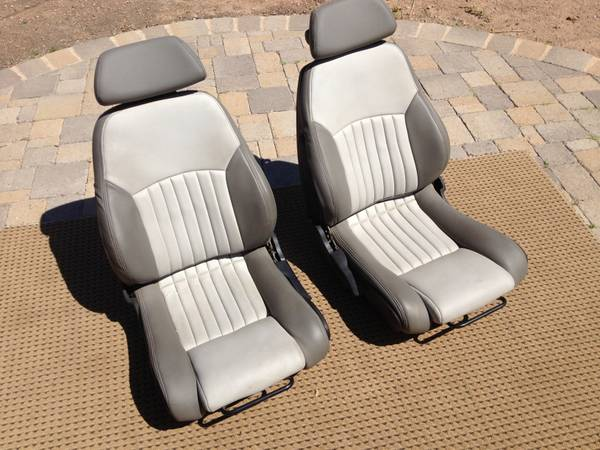 Bucket Seats Beard Corbeau BS Sand Renegade - $300 (Central Indian School)